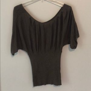 Short sleeve olive green knit top